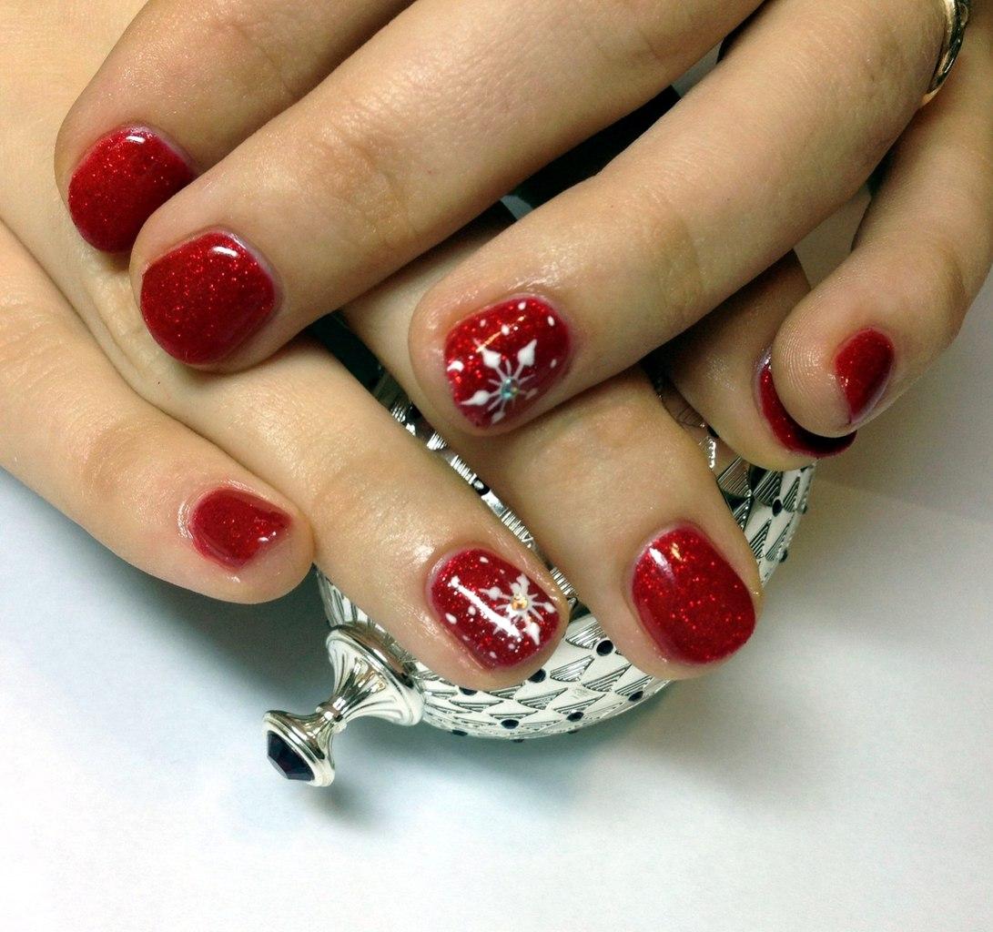 Фото гель лака на ногтях дизайн на короткие новогодние